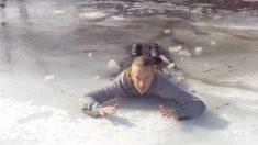 Video: ¿Cómo salir después de caer al hielo? Los primeros segundos son cruciales para sobrevivir