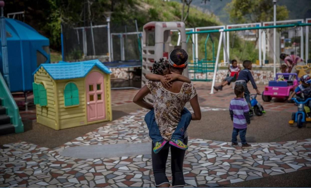 Venezuela llegó al límite: dejan a sus hijos en orfanatos por no poder alimentarlos