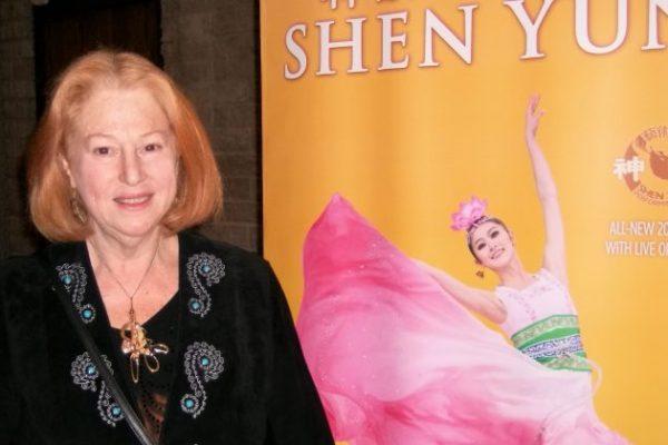 Artista plástica profesional: los colores de Shen Yun son 'exquisitos, ricos y hermosos'