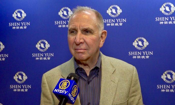 Presidente de universidad aprecia la 'estética y belleza de la cultura tradicional china'