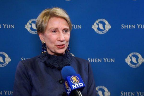Ex embajadora en Finlandia fascinada por la extraordinaria actuación de Shen Yun