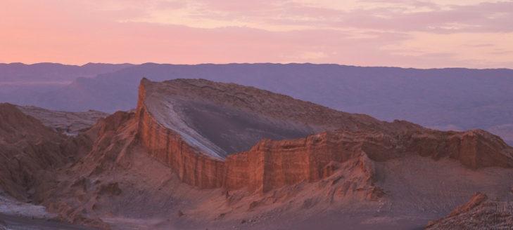 Descubren pinturas de hace 1.500 años de tiburones y ballenas en el desierto de Atacama