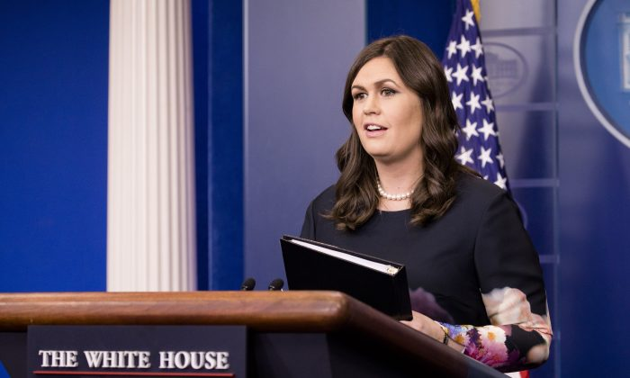 La secretaria de prensa de la Casa Blanca. Sarah Sanders, (Samira Bouaou / La Gran Época)