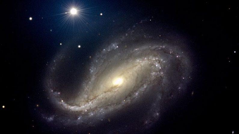 Una imagen de la galaxia espiral NGC-613 tomada por el Observatorio Europeo Austral en 2001. La nueva supernova no es visible en esta imagen; no nacería hasta 15 años después. (P.D. Barthel / ESO)