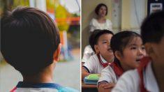 Niño se niega a llevar un pañuelo rojo a la escuela. Pero la razón, enorgullece a sus padres