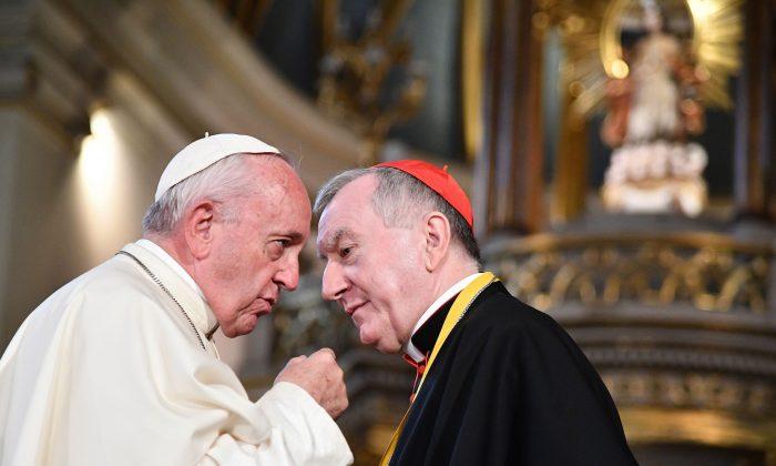 El Vaticano del Papa Francisco está 'haciendo un pacto con el diablo' afirma disidente chino