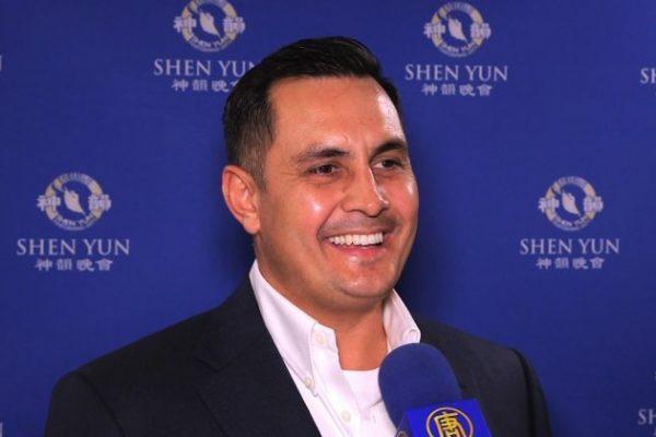 El despliegue artístico de Shen Yun es 'insuperable', dice el ex concejal de Pala
