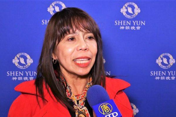 Abogada quiere que el presidente de su país vea Shen Yun