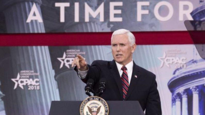El vicepresidente Mike Pence habla durante CPAC 2018 en National Harbor, Maryland, el 22 de febrero de 2018. (Samira Bouaou / La Gran Época)