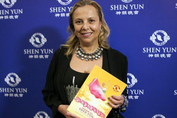 """""""Increíble precisión y emoción"""", dijo sobre Shen Yun la Vicepresidenta y Gerente general de Disney Channels Latin America, Cecilia Mendonça"""