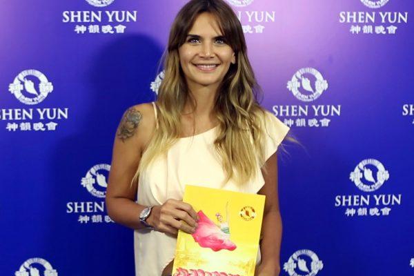 La periodista Amalia Granata destaca la excelencia de Shen Yun