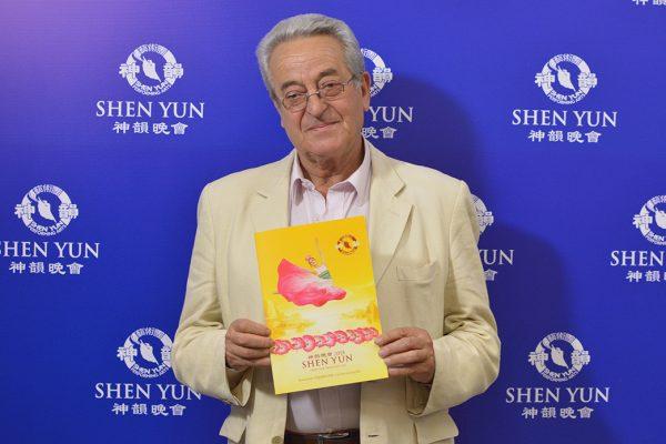 """Shen Yun """"es celestial"""", dice agrimensor conmovido"""