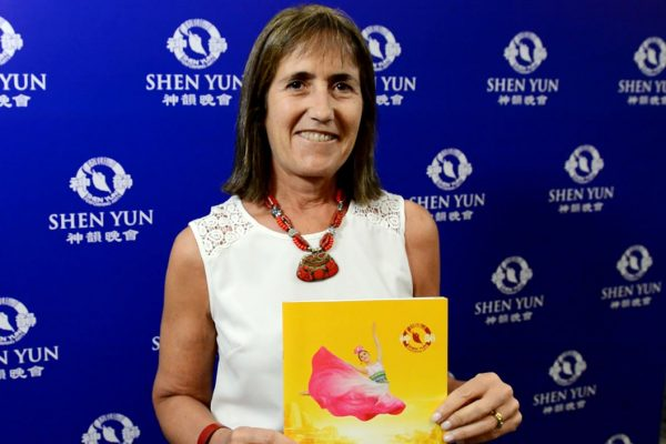"""Shen Yun es """"muy integrador de lo espiritual y lo artístico"""", dice destacada abogada"""