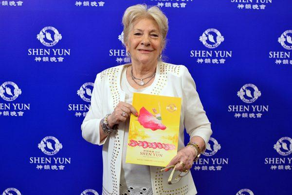 """Bailarines de Shen Yun parecen """"caídos del Cielo"""", dice artista plástica argentina"""
