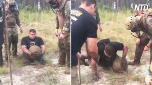 Soldado discapacitado estaba por rendirse; pero cuando sus hermanos lo animan, llega a la meta