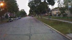 Conductora de autobús estaba en camino cuando vio un niño en la calle; vio sus pies; y pisó el freno