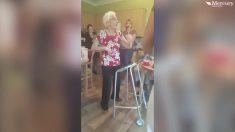 Celebró su centenario, pero cuando comenzó la música, todos quedaron impactados