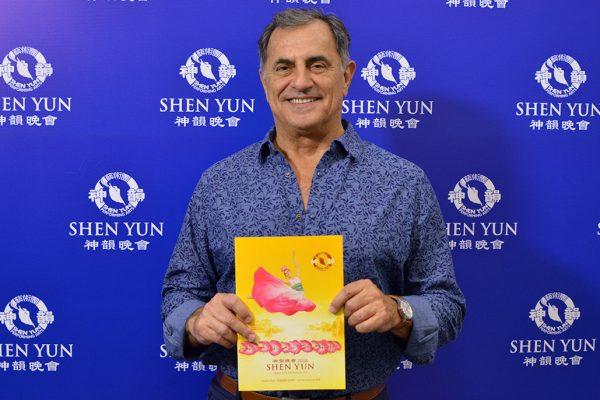 Shen Yun logra realmente una conexión entre lo divino y lo humano, dice empresario argentino