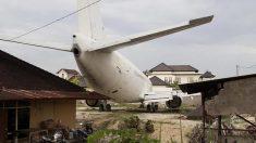 No son uno, sino varios los aviones que abandonaron en Bali con curiosas historias