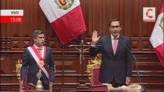 Martín Vizcarra jura como presidente de Perú