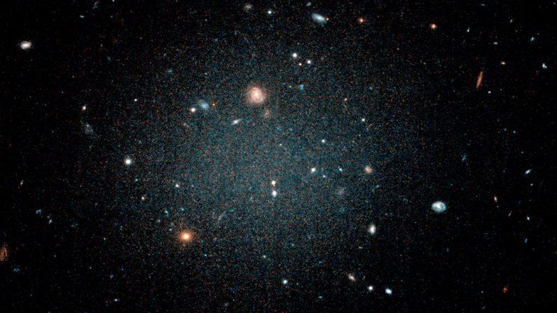 Científicos descubren primera galaxia sin materia oscura