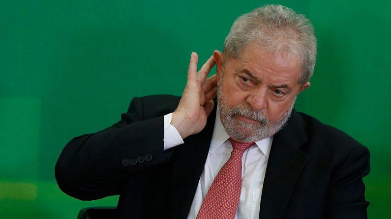 El ex presidente de Brasil, Luiz Inácio Lula da Silva, en una foto del 17 de marzo de 2016 en Brasilia, el Brasil. (Foto de Igo Estrela / Getty Images)