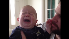 Padre calma a su bebé con trucos inusuales; después descubre por qué es la única solución