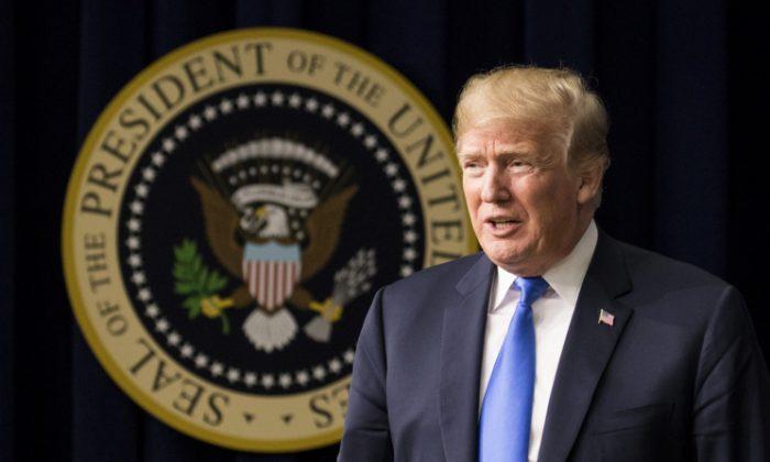 El Presidente de Estados Unidos Donald Trump habla en el evento The Generation Next, un Foro de la Casa Blanca con votantes y funcionarios del gobierno el 22 de marzo de 2018, en el Auditorio de la Corte Sur del Edificio de la Oficina Ejecutiva Eisenhower en Washington el 22 de marzo de 2018. (Samira Bouaou / The Epoch Times)