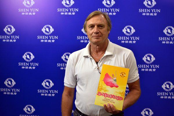 """Danza clásica y bel canto de Shen Yun """"hace vibrar y creer en el ser humano"""""""