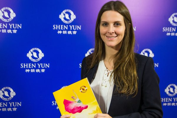 Shen Yun transmite paz y a la vez revoluciona tu cabeza, opina asesora del Senado argentino