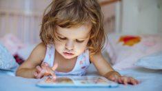 Los niños tienen cada vez más dificultades para sostener el lápiz por el uso de tecnologías, dicen expertos
