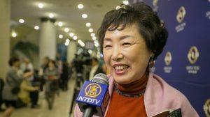 Directora de coro disfruta de la mágica coordinación de Shen Yun