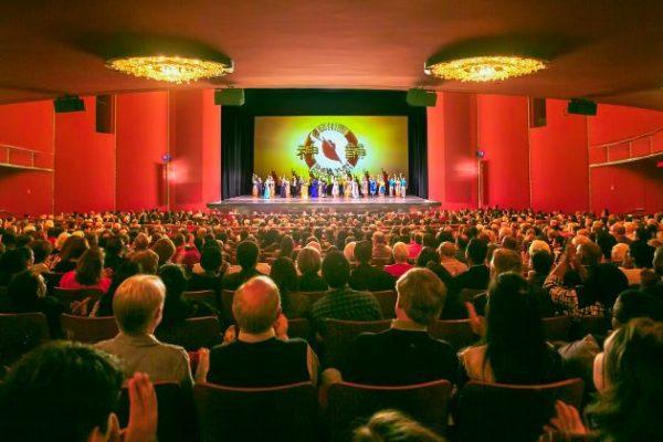 El público se conmovió con la profundidad y trascendencia de Shen Yun en Washington, DC