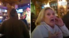 Hombre encapuchado interrumpe cena familiar. Cuando mamá se da vuelta y ve su cara, queda en shock