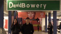 Metro de Nueva York donde vivía David Bowie presenta una muestra en su honor