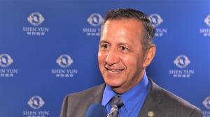 Miembro de Concejo ve el poder y la belleza divina de Shen Yun