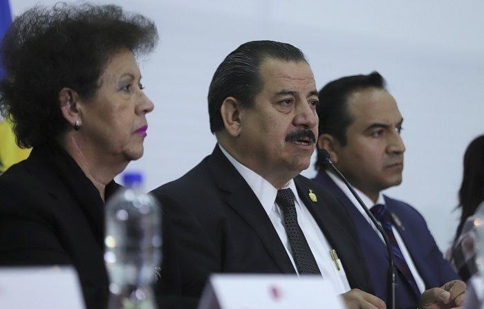 Los tres estudiantes de cine desaparecidos el 19 de marzo pasado en el municipio de Tonalá, fueron asesinados y sus cuerpos diluidos en ácido, informó hoy la Fiscalía General del estado Jalisco. EFE/Carlos Zepeda