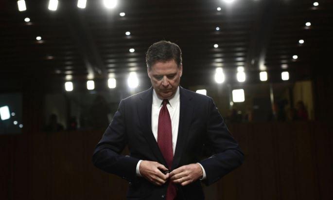 El ex director del FBI James Comey testifica ante el Comité de Inteligencia del Senado el 8 de junio de 2017. (BRENDAN SMIALOWSKI/AFP/Getty Images)