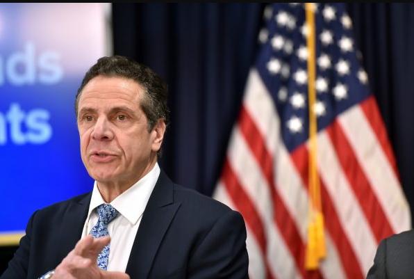 El gobernador de Nueva York, Andrew Cuomo, anuncia una carta de 'cese y desista' que enviará al Servicio de Inmigración y Aduanas, en la ciudad de Nueva York, el 25 de abril de 2018. (Kevin P. Coughlin / Oficina del gobernador Andrew M. Cuomo)