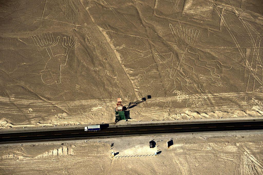 Hallan en Perú nuevos dibujos gigantes de Nazca