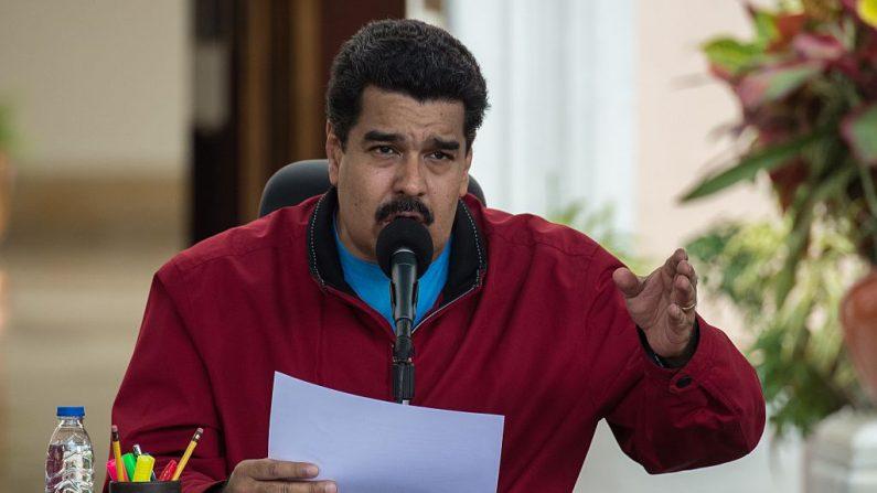 Mandatario venezolano Nicolás Maduro habla en el Palacio de Miraflores en Caracas. AFP PHOTO/FEDERICO PARRA. (El crédito de la foto debe leer FEDERICO PARRA/AFP/Getty Images)