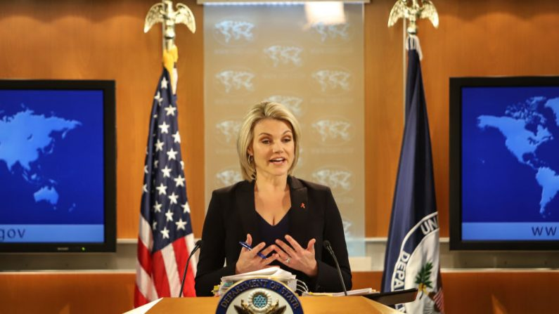 La portavoz del Departamento de Estado de Estados Unidos, Heather Nauert, habla en la sala de reuniones de prensa del Departamento de Estado el 30 de noviembre de 2017 en Washington DC. (Foto de Alex Wroblewski/Getty Images)