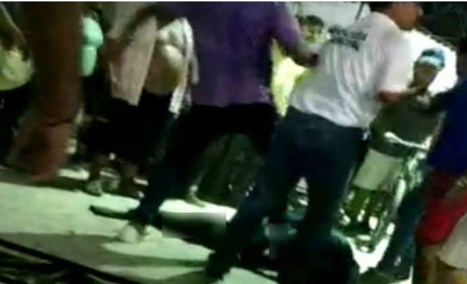 Lanzan a presunto violador de Oaxaca a una jaula de lagartos