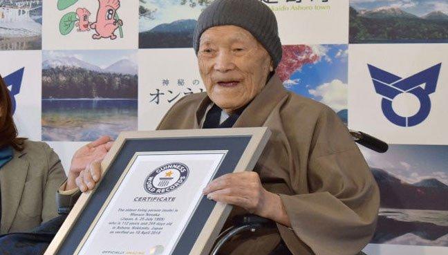 Un japonés es nombrado como el hombre más viejo del mundo, pero en realidad un chileno lo supera