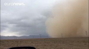 Tormenta de arena ocultó por completo una ciudad china de Gansu