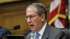 Congresista de EE.UU. pide indagar la presión 'perturbadora' que pretendía poner fin a la investigación sobre Clinton