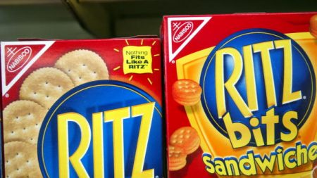 Una imitación china de galletas Ritz Crackers es demandada por infracción de marca registrada