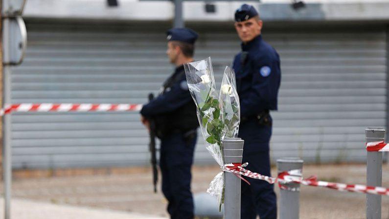 Mataron con puñal a un hombre de 29 años el sábado por la noche en París. (El crédito de la foto debe leer CHARLY TRIBALLEAU/AFP/Getty Images)