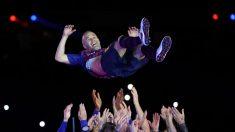 Iniesta se emociona en su despedida del Barcelona