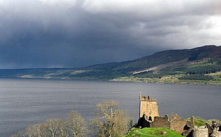 Lago Loch Ness (Wikimedia)